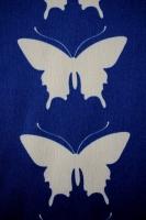 "Креп ""Бежевые бабочки"" синий"